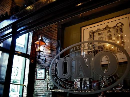 Uno Chicago Grill in Manhattan